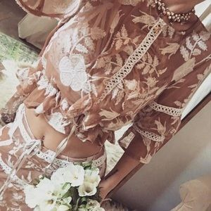For love and lemons emilia crop top